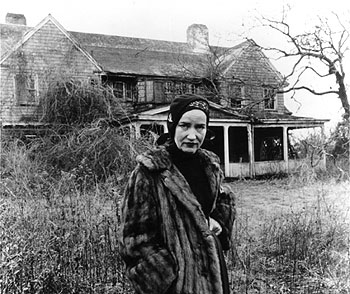 Little Edie Beale posing outside Grey Gardens